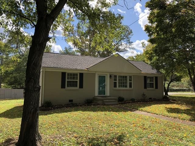 2912 Mccampbell Ave, Nashville, TN 37214 (MLS #1874959) :: DeSelms Real Estate