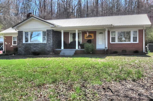 812 W Main St, Waverly, TN 37185 (MLS #1907771) :: NashvilleOnTheMove | Benchmark Realty