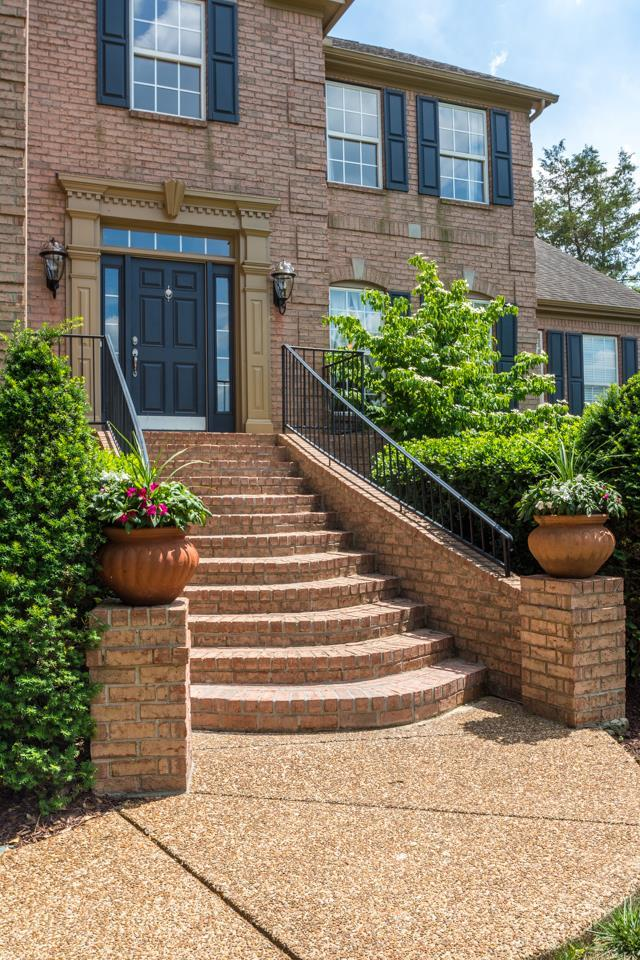 9015 Grey Pointe Ct, Brentwood, TN 37027 (MLS #1934229) :: The Kelton Group