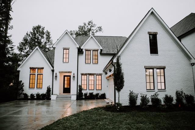 2470 Abbott Martin Rd, Nashville, TN 37215 (MLS #1963857) :: John Jones Real Estate LLC