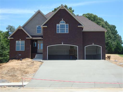 11 Savannah Glen, Clarksville, TN 37043 (MLS #2011740) :: Christian Black Team