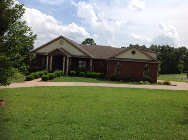3027 Pickering Ln, Clarksville, TN 37040 (MLS #RTC2054090) :: Village Real Estate