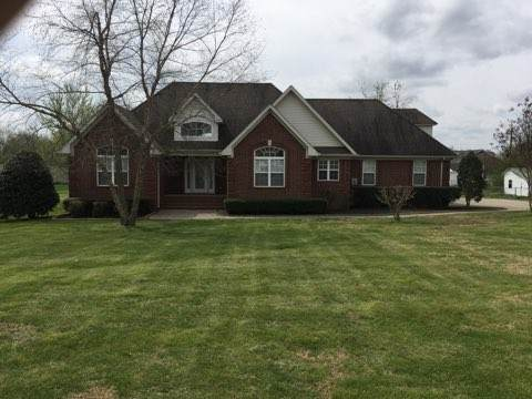 69 College Ct, Mc Ewen, TN 37101 (MLS #RTC2130937) :: Felts Partners