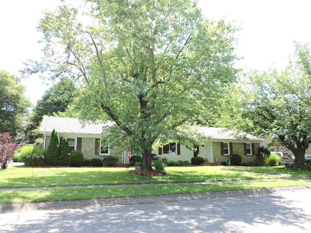906 Springmont Dr, Hopkinsville, KY 42240 (MLS #RTC2167006) :: John Jones Real Estate LLC