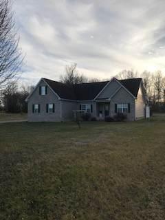 639 Akersville Rd, Lafayette, TN 37083 (MLS #RTC2215358) :: Village Real Estate