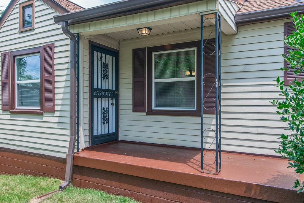 921 Chickasaw Ave - Photo 1
