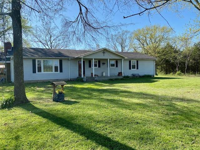 385 Palmetto Rd, Lewisburg, TN 37091 (MLS #RTC2241148) :: Fridrich & Clark Realty, LLC