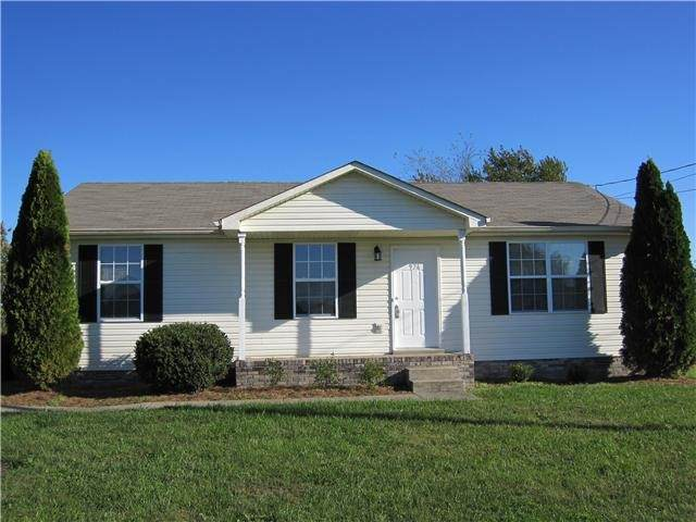 926 Van Buren Ave, Oak Grove, KY 42262 (MLS #RTC2256147) :: Platinum Realty Partners, LLC