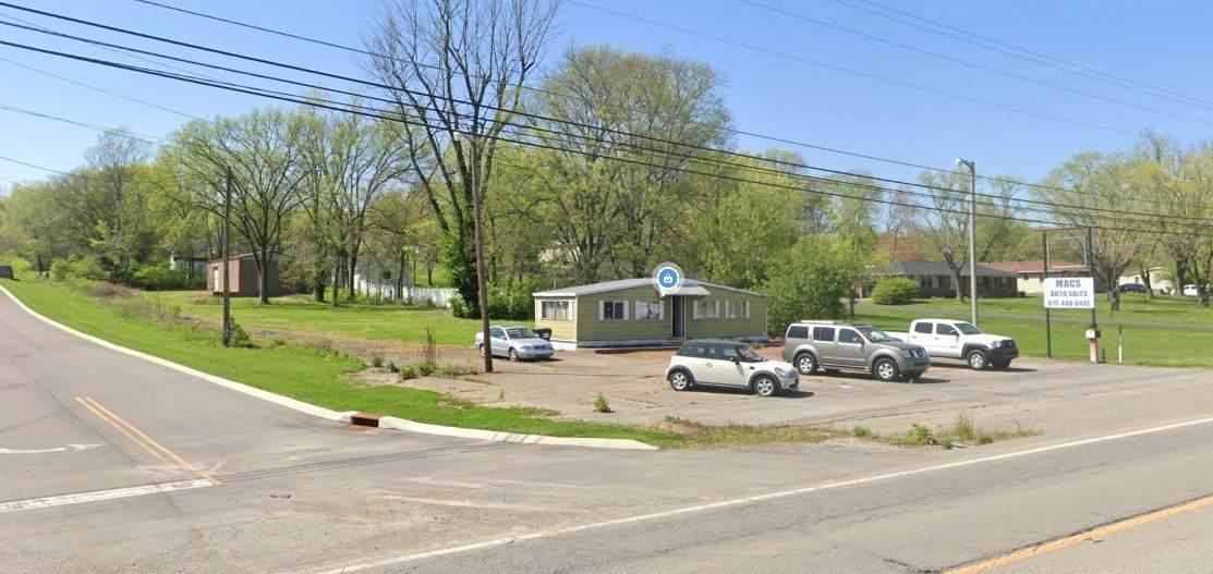 1126 Louisville Highway - Photo 1