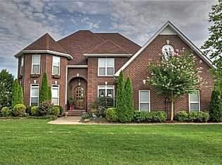1923 Cliffview Ct, Murfreesboro, TN 37128 (MLS #1896370) :: CityLiving Group