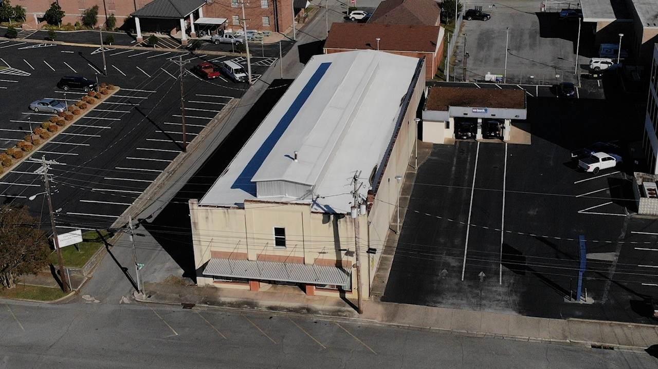 115 Elk Ave N - Photo 1