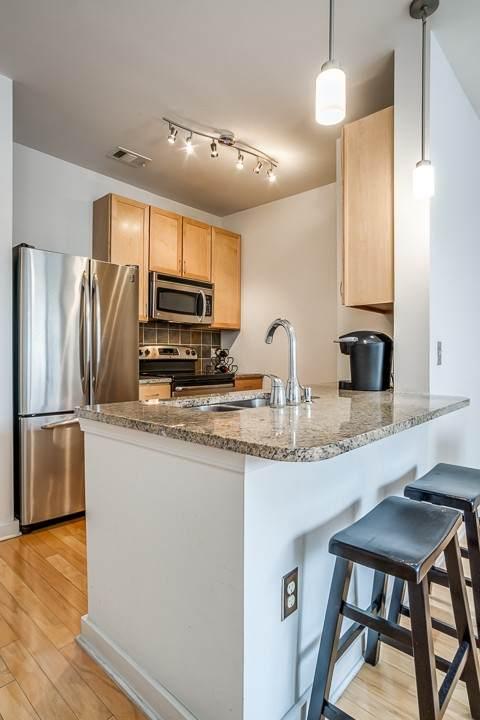 3000 Vanderbilt Pl #324, Nashville, TN 37212 (MLS #RTC2206518) :: Berkshire Hathaway HomeServices Woodmont Realty