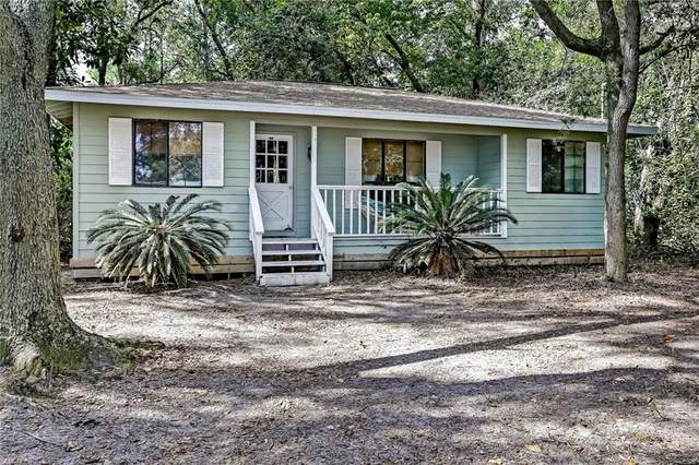 307 S 18TH Street, Fernandina Beach, FL 32034 (MLS #92917) :: The DJ & Lindsey Team