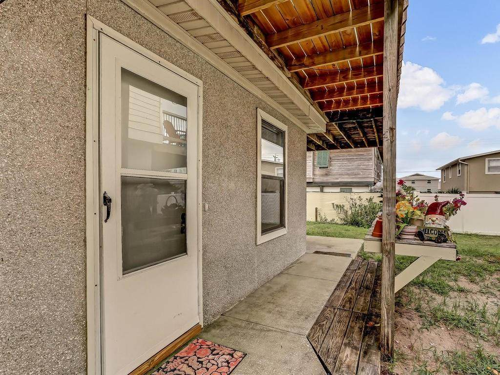 630 Tarpon Avenue - Photo 1