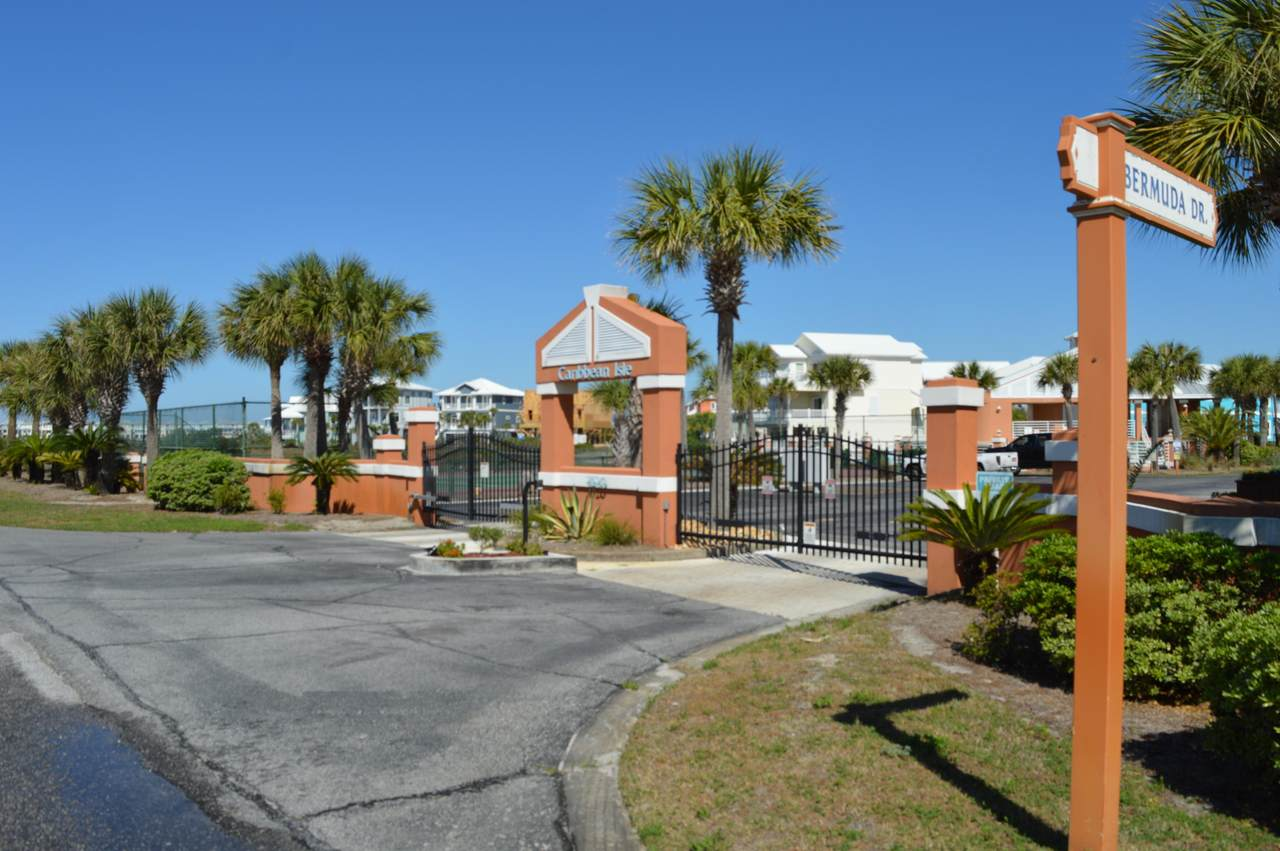 7656 Key West Drive - Photo 1