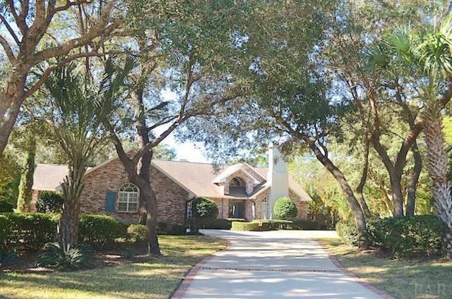 2639 Cove Road, Navarre, FL 32566 (MLS #787317) :: ResortQuest Real Estate