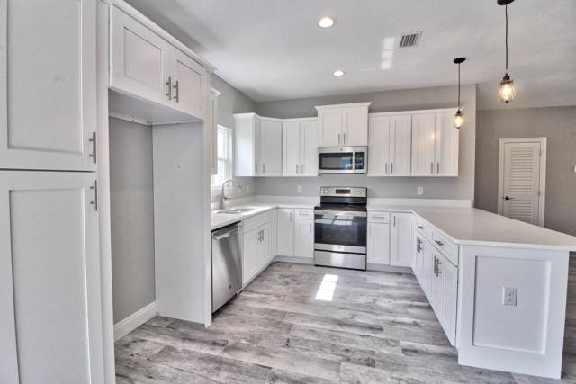 2031 Constitution Drive, Navarre, FL 32566 (MLS #837915) :: ResortQuest Real Estate