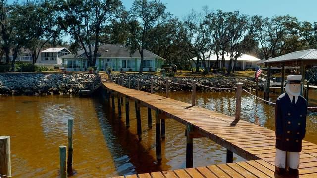 4962 Hickory Shores Boulevard, Gulf Breeze, FL 32563 (MLS #866285) :: Levin Rinke Realty