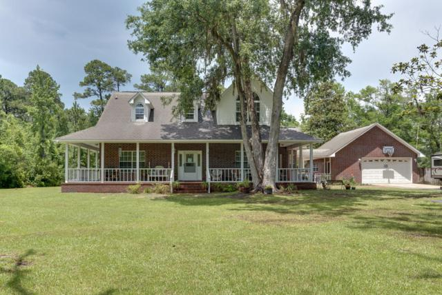 6902 Santa Clara Drive, Navarre, FL 32566 (MLS #799057) :: ResortQuest Real Estate