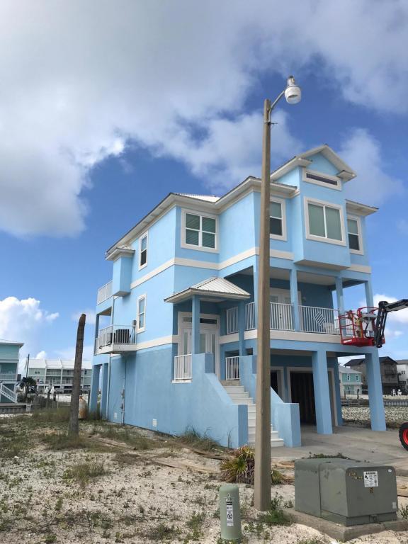 7390 Grand Navarre Boulevard, Navarre, FL 32566 (MLS #799447) :: ResortQuest Real Estate