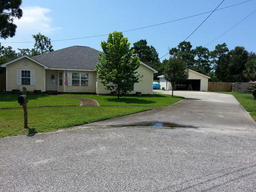9405 Octavia Lane, Navarre, FL 32566 (MLS #824945) :: ResortQuest Real Estate
