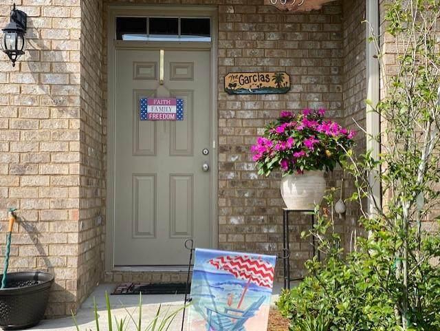 8833 Brown Pelican Circle, Navarre, FL 32566 (MLS #849870) :: ResortQuest Real Estate