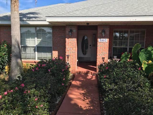 1882 Bayou Drive, Navarre, FL 32566 (MLS #883879) :: Levin Rinke Realty