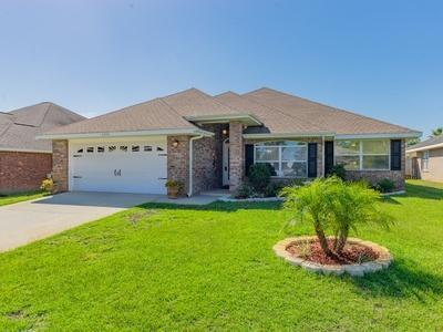 6368 Old Harbor Ct Court, Gulf Breeze, FL 32563 (MLS #813798) :: ResortQuest Real Estate