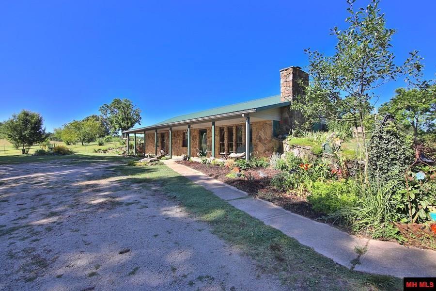 1880 Dry Hollow Road - Photo 1