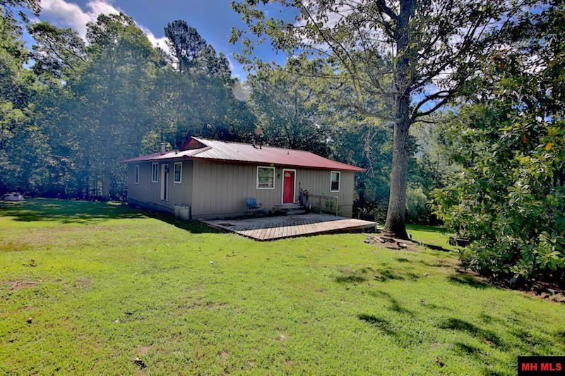 7983 Hwy 14 South - Photo 1