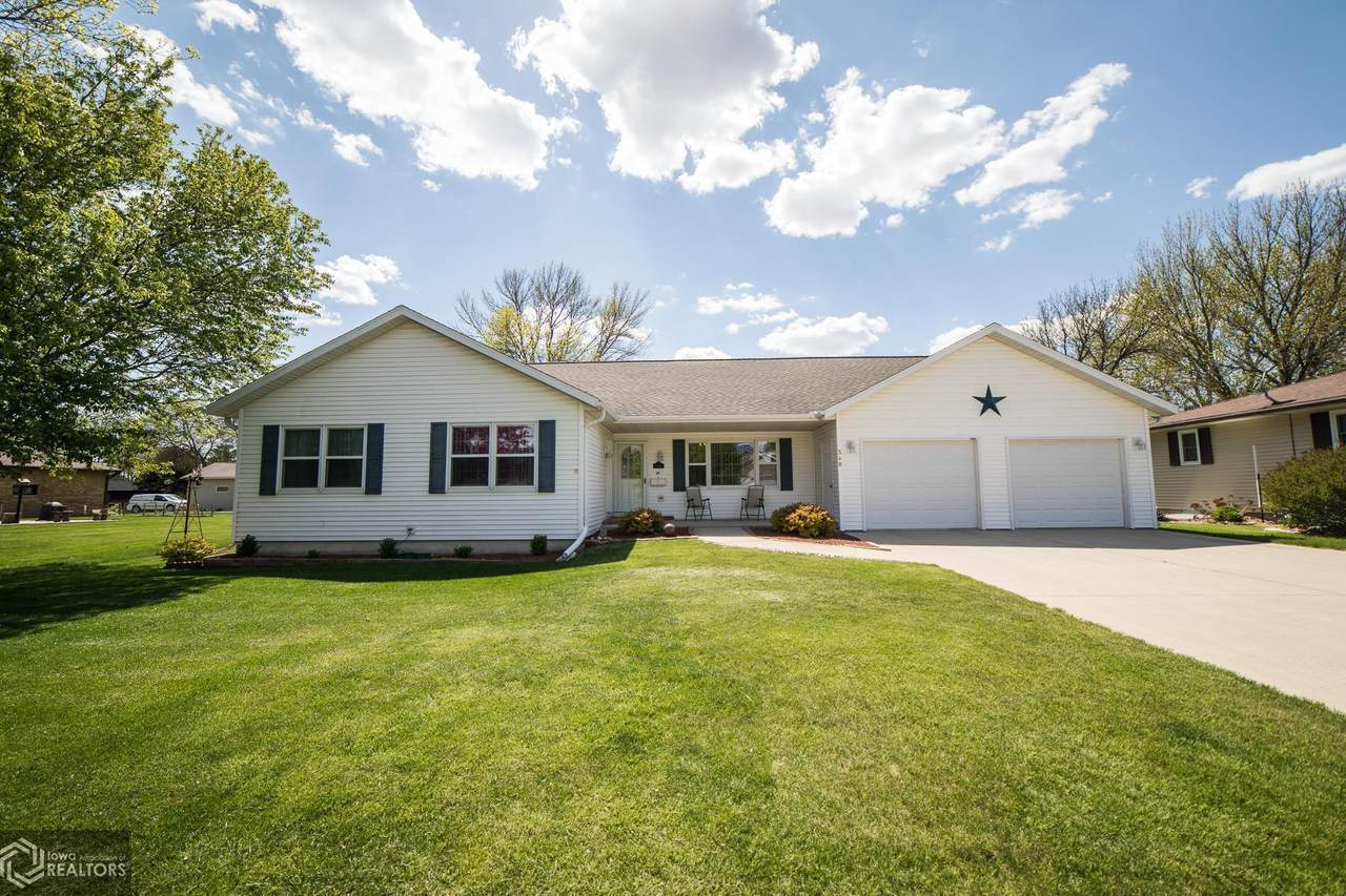 340 Country Club Drive - Photo 1