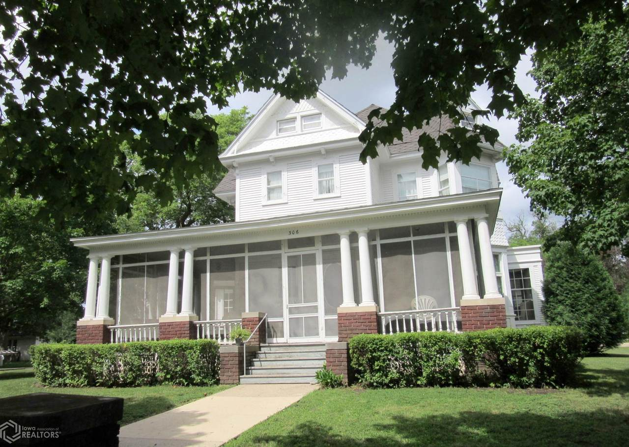 306 Clark Street - Photo 1