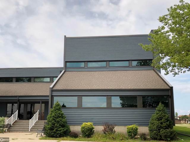 9 Plaza Drive #5, Clear Lake, IA 50428 (MLS #5640904) :: Jane Fischer & Associates