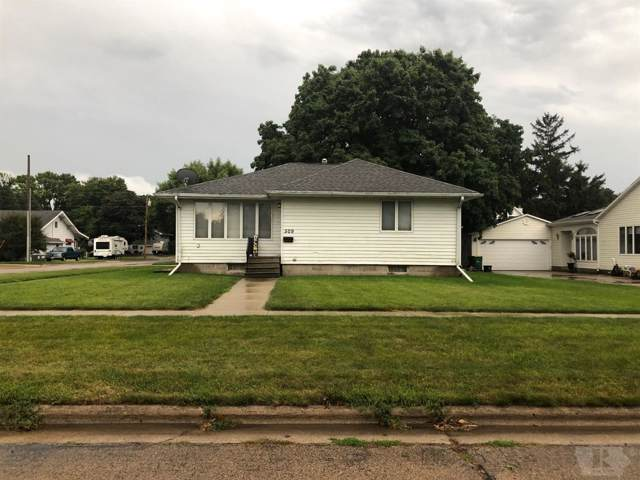 509 2nd St Sw, Britt, IA 50423 (MLS #62020110) :: Jane Fischer & Associates