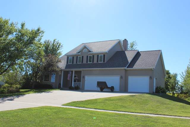 2107 N 8th Street, Clear Lake, IA 50428 (MLS #5652158) :: Jane Fischer & Associates