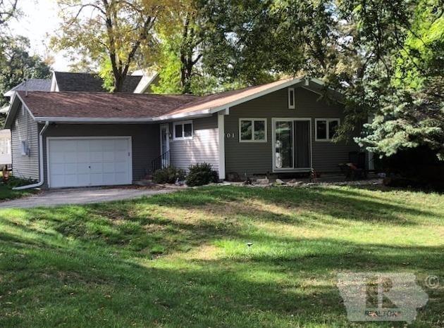 701 N 4th Street, Clear Lake, IA 50428 (MLS #62019922) :: Jane Fischer & Associates