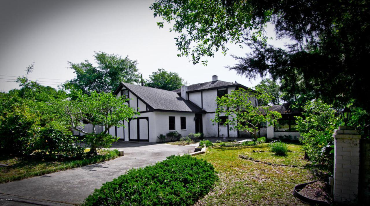 8604 Bald Eagle Lane, Wilmington, NC 28411 (MLS #100010880) :: Century 21 Sweyer & Associates