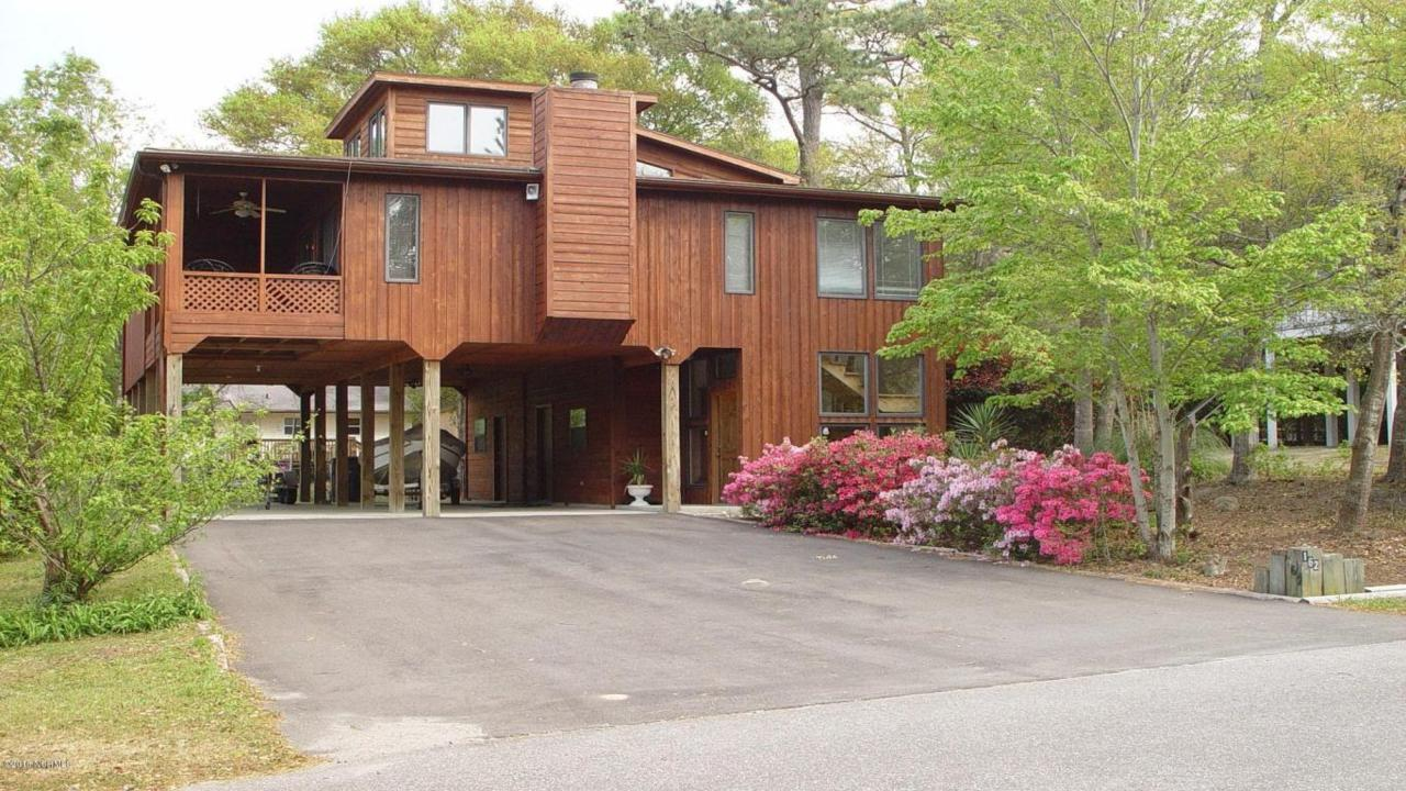 162 NE 12th Street, Oak Island, NC 28465 (MLS #100014191) :: Century 21 Sweyer & Associates