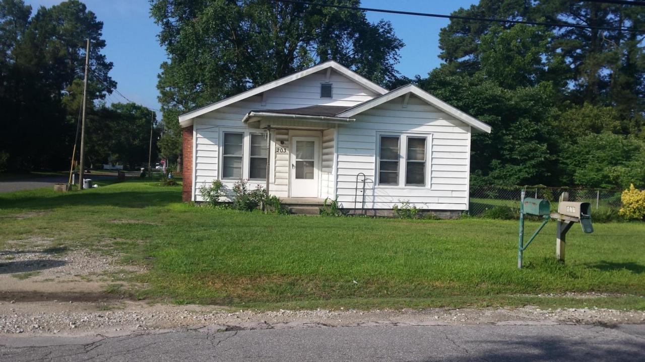 203 W Broad, Beulaville, NC 28518 (MLS #100019582) :: Century 21 Sweyer & Associates