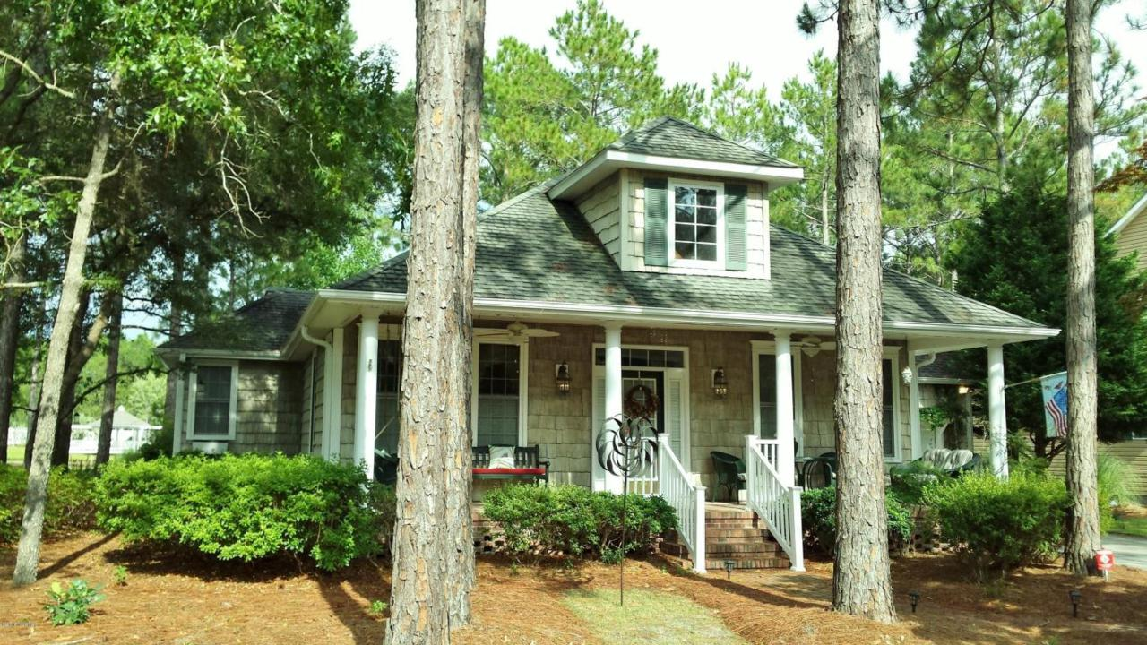 3855 Harmony Circle, Southport, NC 28461 (MLS #100019604) :: Century 21 Sweyer & Associates