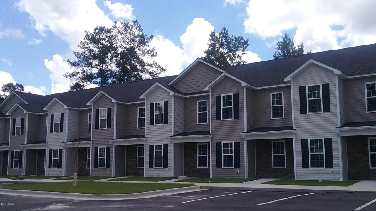 2915 Macgregor Downs Road #8, Greenville, NC 27834 (MLS #100025237) :: Century 21 Sweyer & Associates
