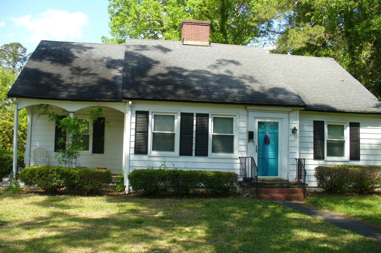 902 Dewey Street - Photo 1