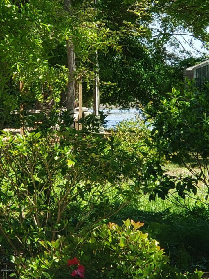 6903 E Yacht Drive, Oak Island