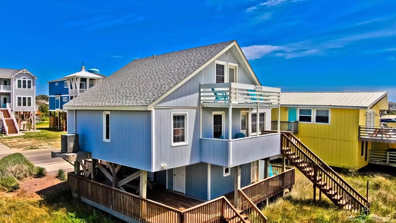 5225 E Beach Drive, Oak Island