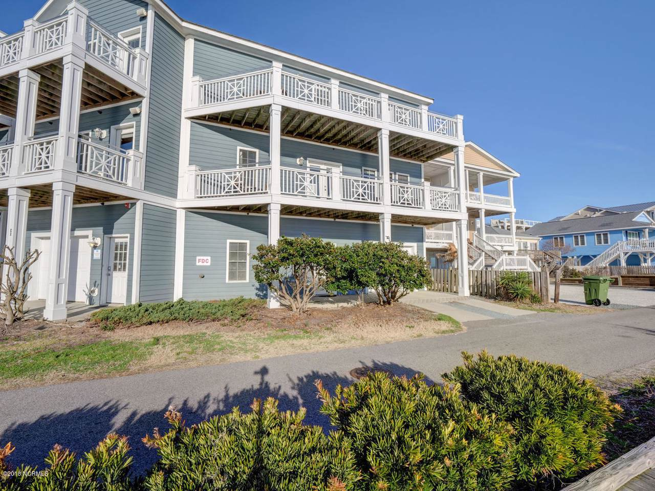 202 Fort Fisher Boulevard - Photo 1