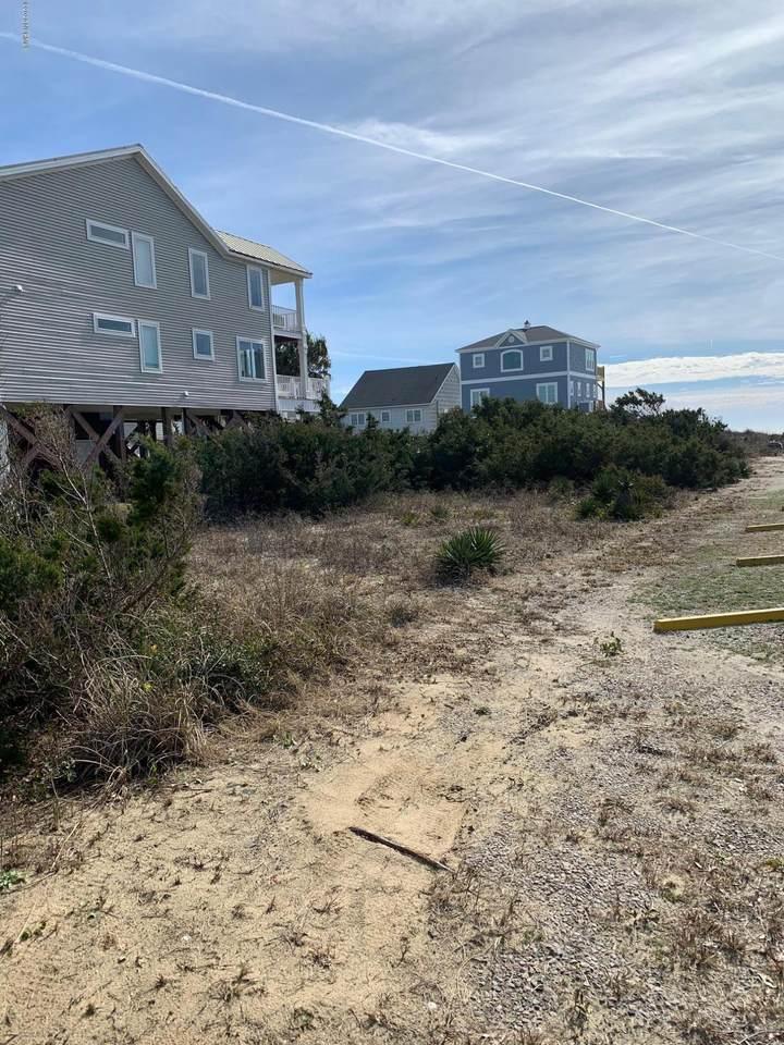 1102 E Beach Drive, Oak Island