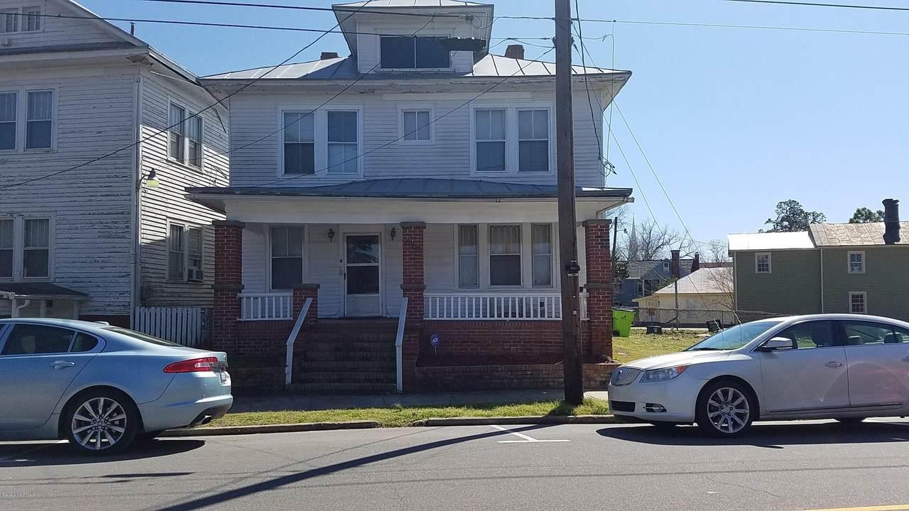 619 Queen Street - Photo 1