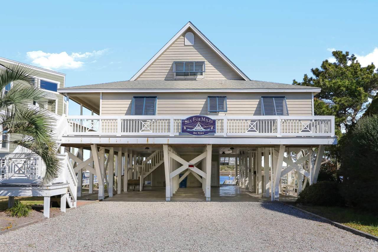 6006 W Beach Drive, Oak Island