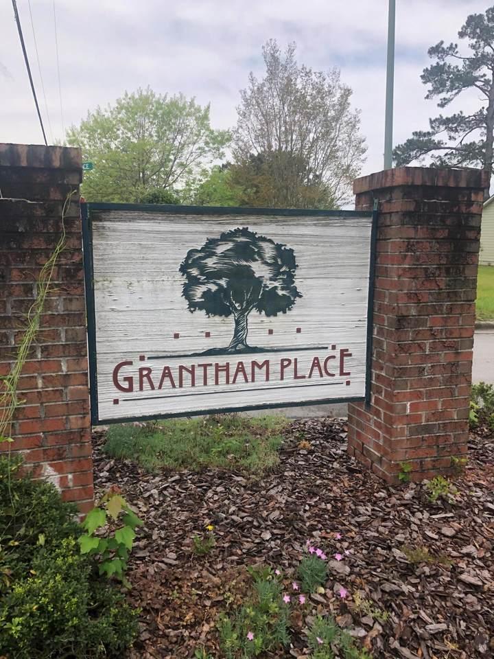142 Grantham Place - Photo 1