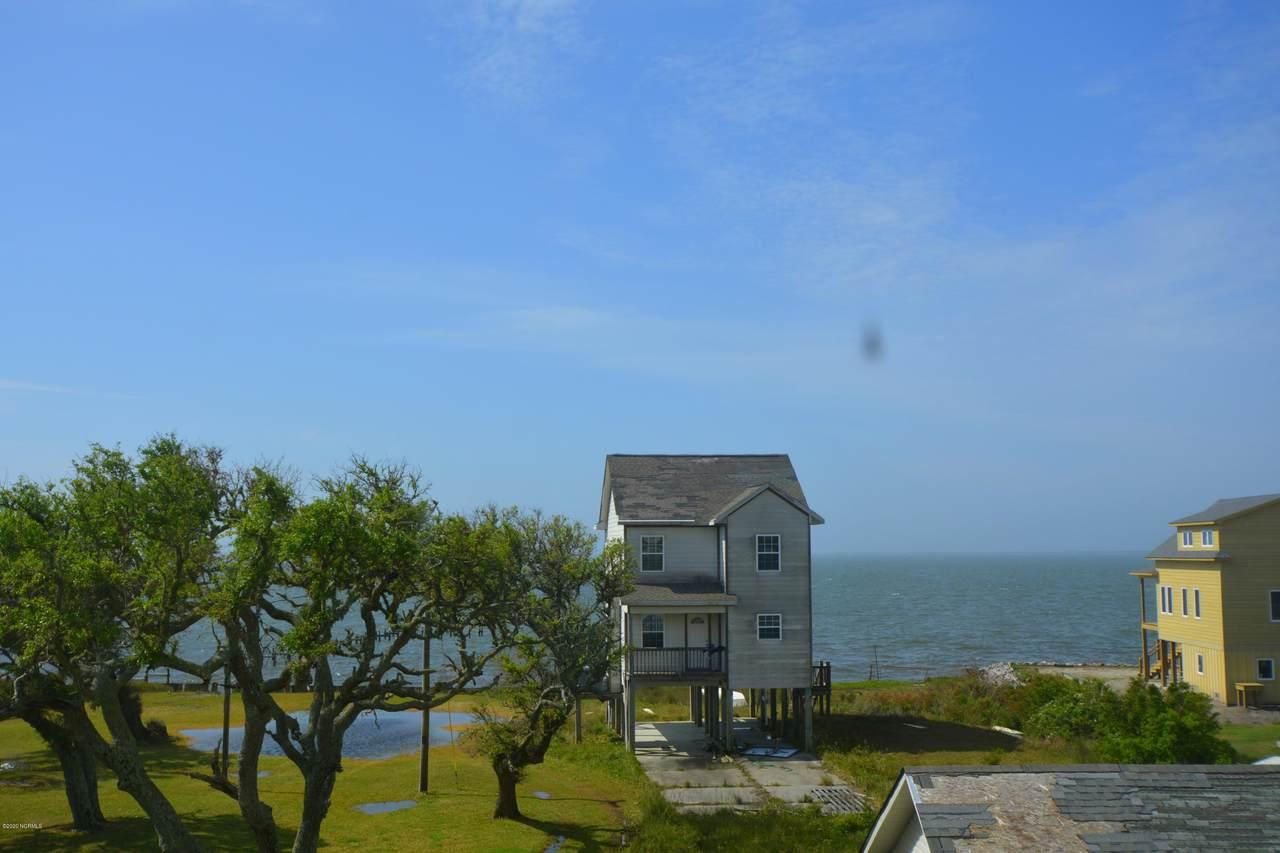 920 Island Road - Photo 1